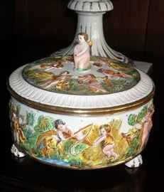 Large capodimonti lidded bowl from Italy.  Excellent