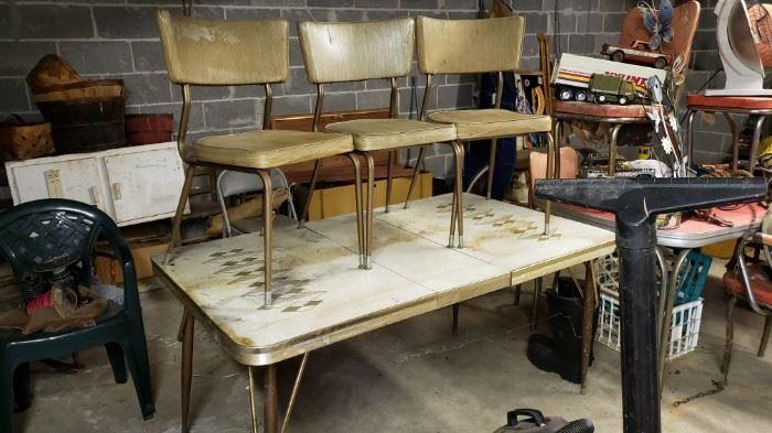 Mid century table set