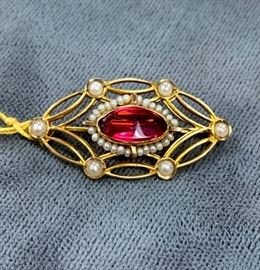 Vintage gold pin or pendant