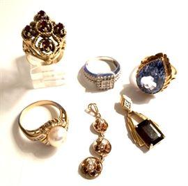 Beautiful vintage garnet ring and pendant, diamonds and gems!