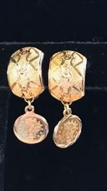 18kt gold pierced earrings with coin drop- small scale