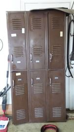 Locker set
