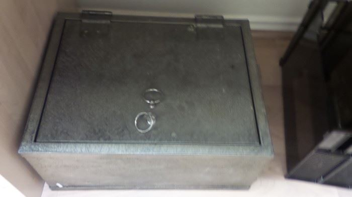 Floor / drawer safe