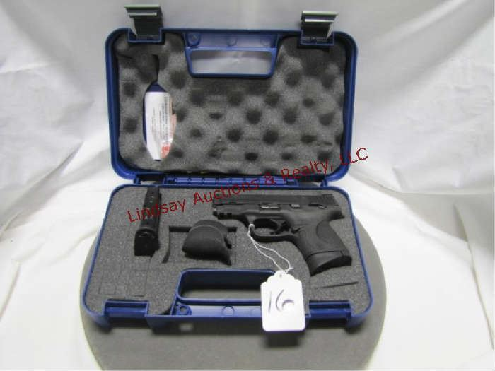 16 - Smith & Wesson