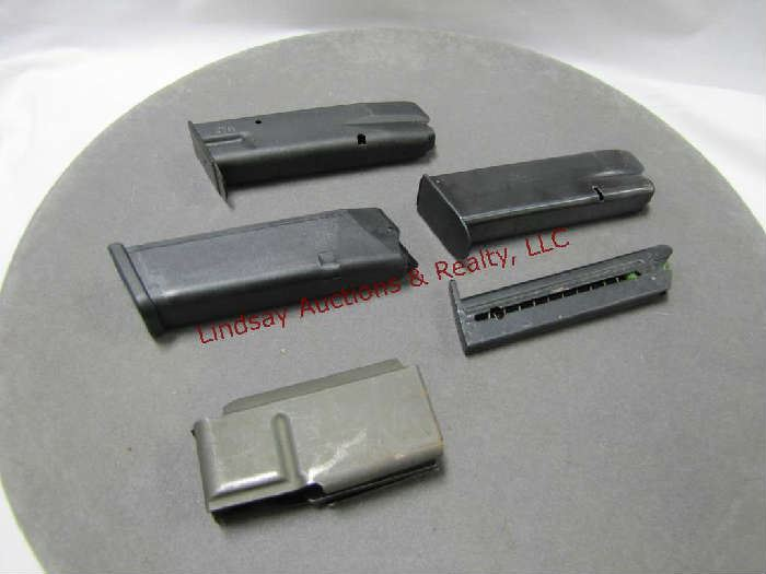 94 - Group of 5 mixd mags: Glock 22 40 cal mag,