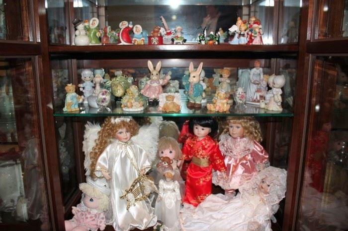Decorative Dolls and Figurines