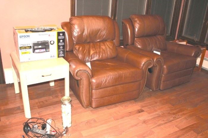 2 Leather Recliners and Side Table