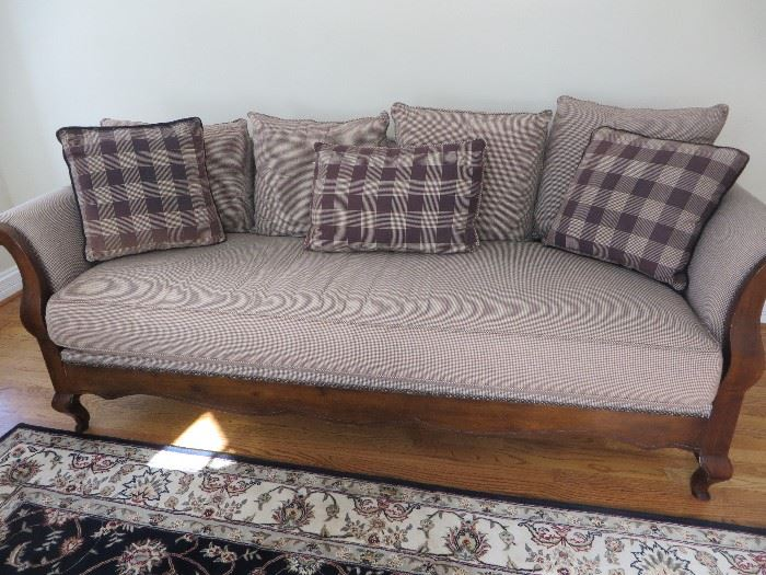 ROLLED ARMS SOFA IN GINGHAN CHECKED FABRIC