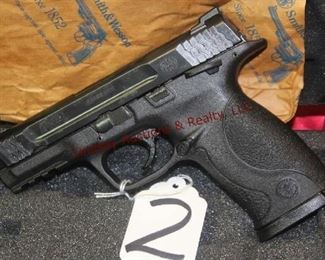 2 SMITH  WESSON M&P 45 45 AUTO 1-MAG, CASE, GRIPS