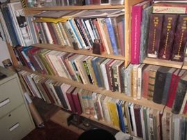 TONS OF GREAT BOOKS ~ COLLECTORS DREAM