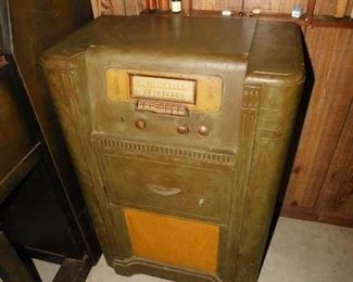 Old Record Player and Radio Combo