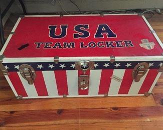 USA Team Locker Trunk