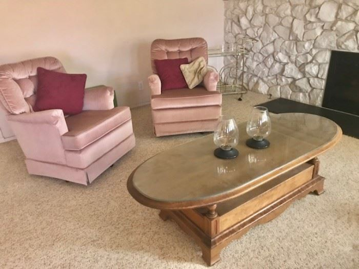 •Pair of 1960s Hollywood Regency arm chairs