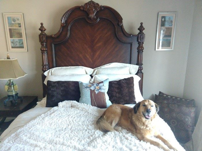 Bernhardt queen size mahogany bed, with Bella option.
