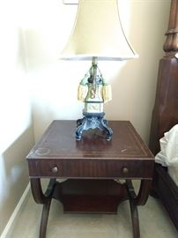Vintage ribbon mahogany side table, with single drawer.