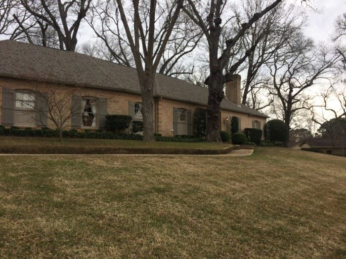 This lovely (approx. 4000 sq. ft.) home of long time Tyler Pediatrician Dr. Bill and Nancy Read has sold. The incredible contents & exceptional consignments must go!