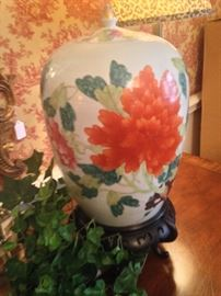One of two very fine Chinese vases - similar in pattern