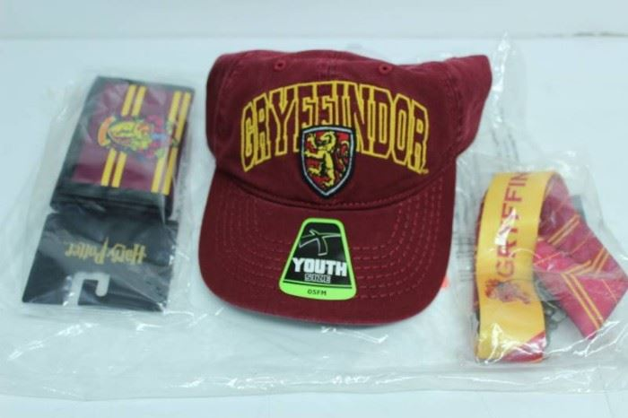 BOYS GRYFFINDOR HAT, WALLET  LANDYARD GIFT SET  ...