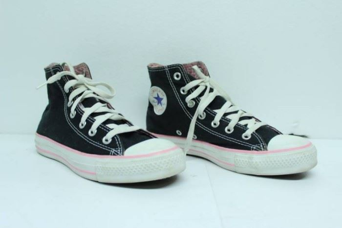 CONVERS ALL STAR MENS SIZE 6 WOMENS SIZE