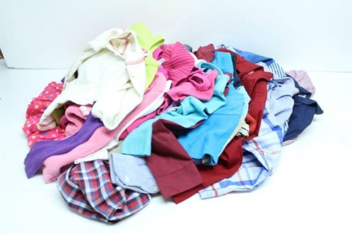 MIX LOT OF KIDS CLOTHING