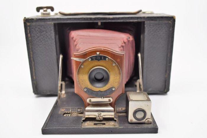 Kodak No. 3 Folding Brownie Camera (Model A) https://ctbids.com/#!/description/share/101270