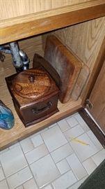 Wood ice bucket