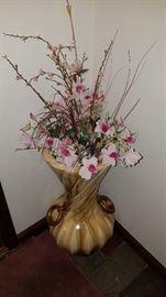 Decorative urn