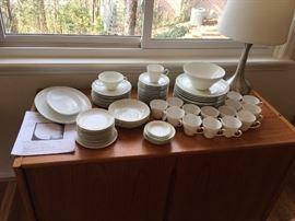 "Large Set of Rosenthal China ""Romance"" Motif pattern from Germany."