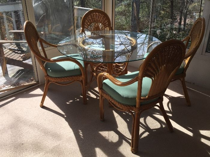 Rattan Dining set with 4 matching Chairs