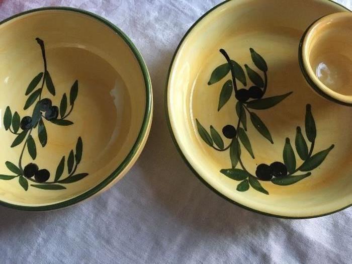 Pair of olive-motif Bowls
