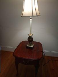 Pennslvania House End Table/Lamp