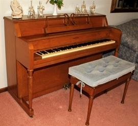 SPINET PIANO & BENCH