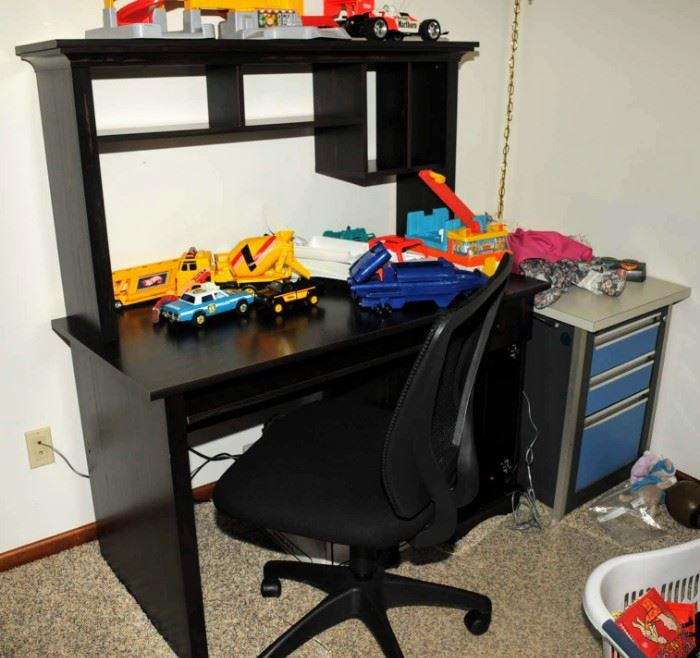 COMPUTER DESK AND CHAIR ~ SEPARATE FILE CABINET