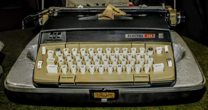PORTABLE ELECTRIC TYPEWRITER