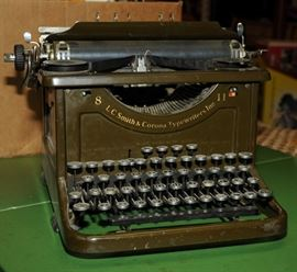 1940's ARMY GREEN 8 11 L. C. SMITH & CORONA TYPEWRITER