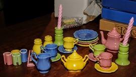 CHILD'S TEA SET
