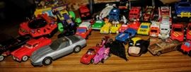 ASSORTMENT OF TOY VEHICLES