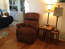 Lift chair, used less than one month, perfect condition.