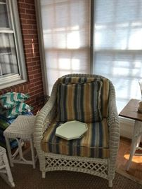 very nice wicker arm chair