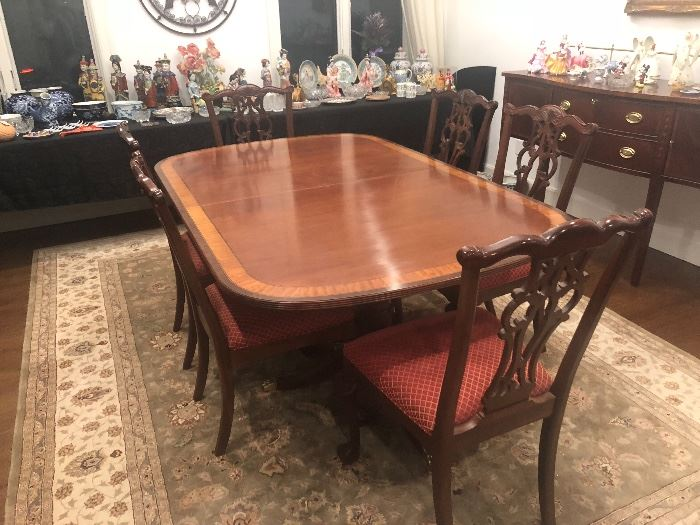 ETHAN ALLEN DOUBLE PEDESTAL CLAWFOOT DINING SET WITH 8 CHAIRS MAYBBE SEEN IMMEDIATELY BY APPOINTMENT