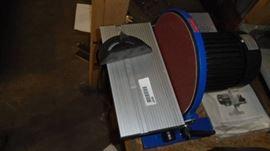 10 Bench Type Disc Sander.