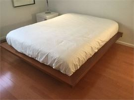 Lot 007 Presotto Letto Queen size platform bed Italy