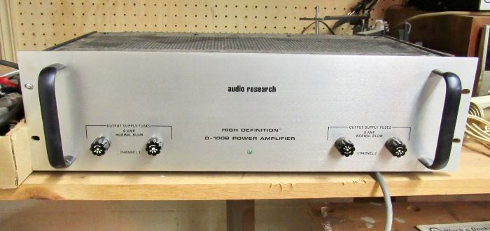 VINTAGE AUDIO RESEARCH AMPLIFIER D-100B