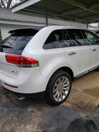 2011 Lincoln  MKX - 137,000+, leather heated & air seats, full moon roof, bluetooth. $10,000 - cashier check from area bank.