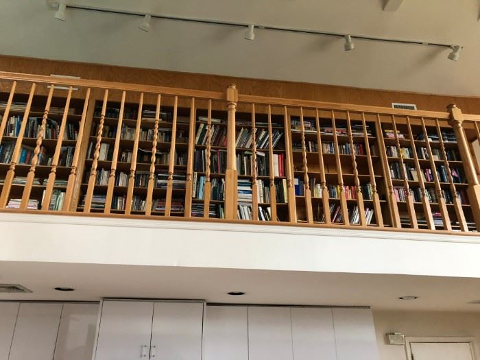 NORTH SIDE BOOK CASE - THOUSANDS OF BOOKS