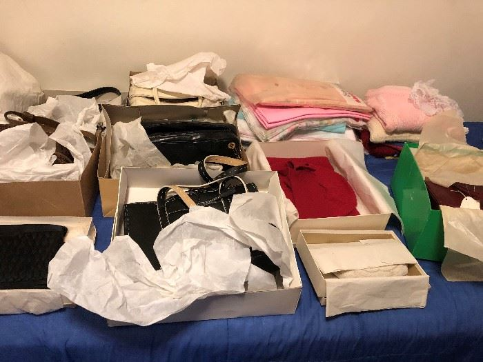 DESIGNER POCKETBOOKS AND CLOTHING