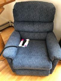 Lazy Boy Chair = Like new