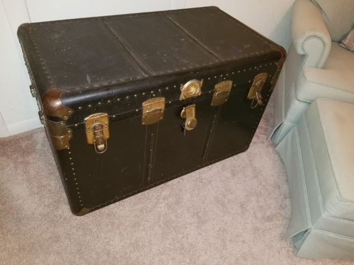 Large Vintage trunk with lots of storage