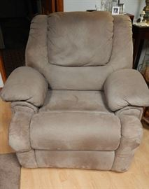 MATCHING ROCKING RECLINER, SOLD SEPERATLEY