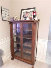 Oak China Cabinet/ Curio.5 foot by 3